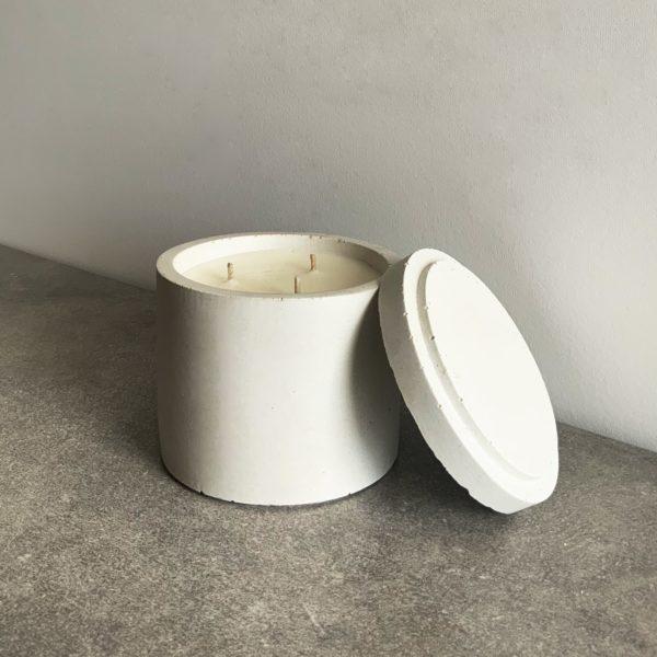 Bougie parfumée en béton couleur Gris Argile, taille L