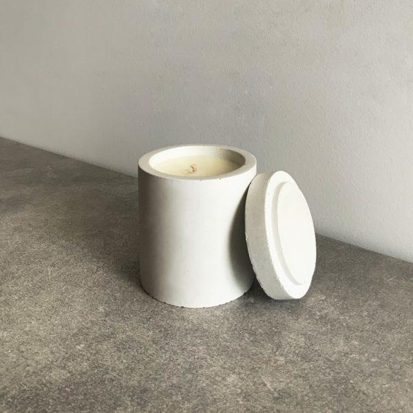 Bougie parfumée en béton couleur Gris Argile, taille M