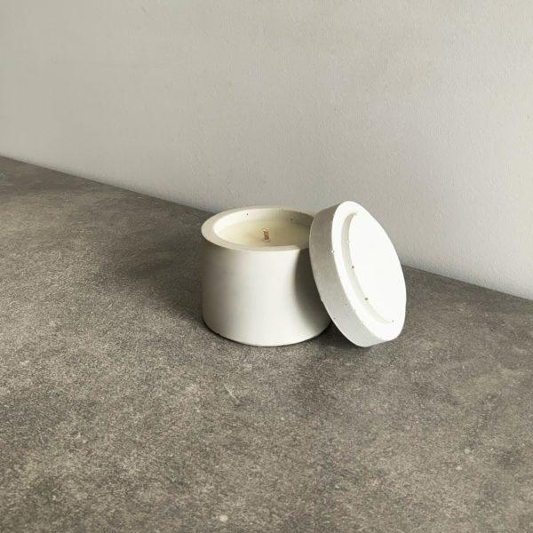 Bougie parfumée en béton couleur Gris Argile, taille S