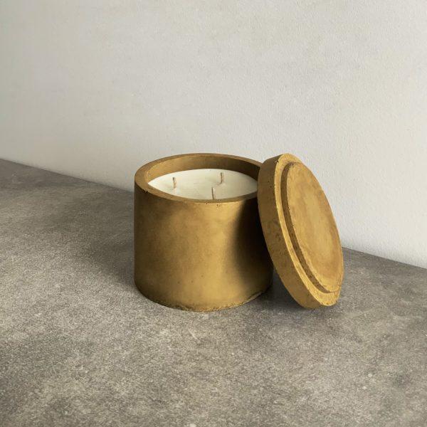 Bougie parfumée en béton couleur Olive, taille L